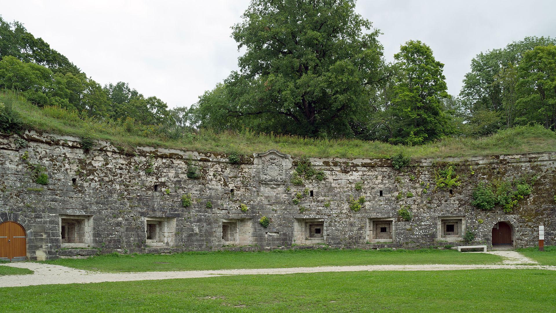 1920px-Festung_Rosenberg_-_Contregarde_Carl.jpg