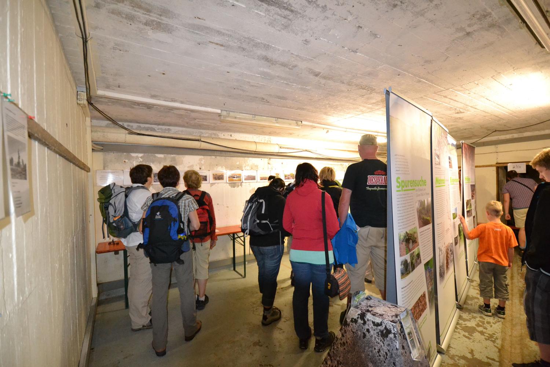 FRW_Ausstellung_Grüner_Wall_im_Westen_klein.jpg