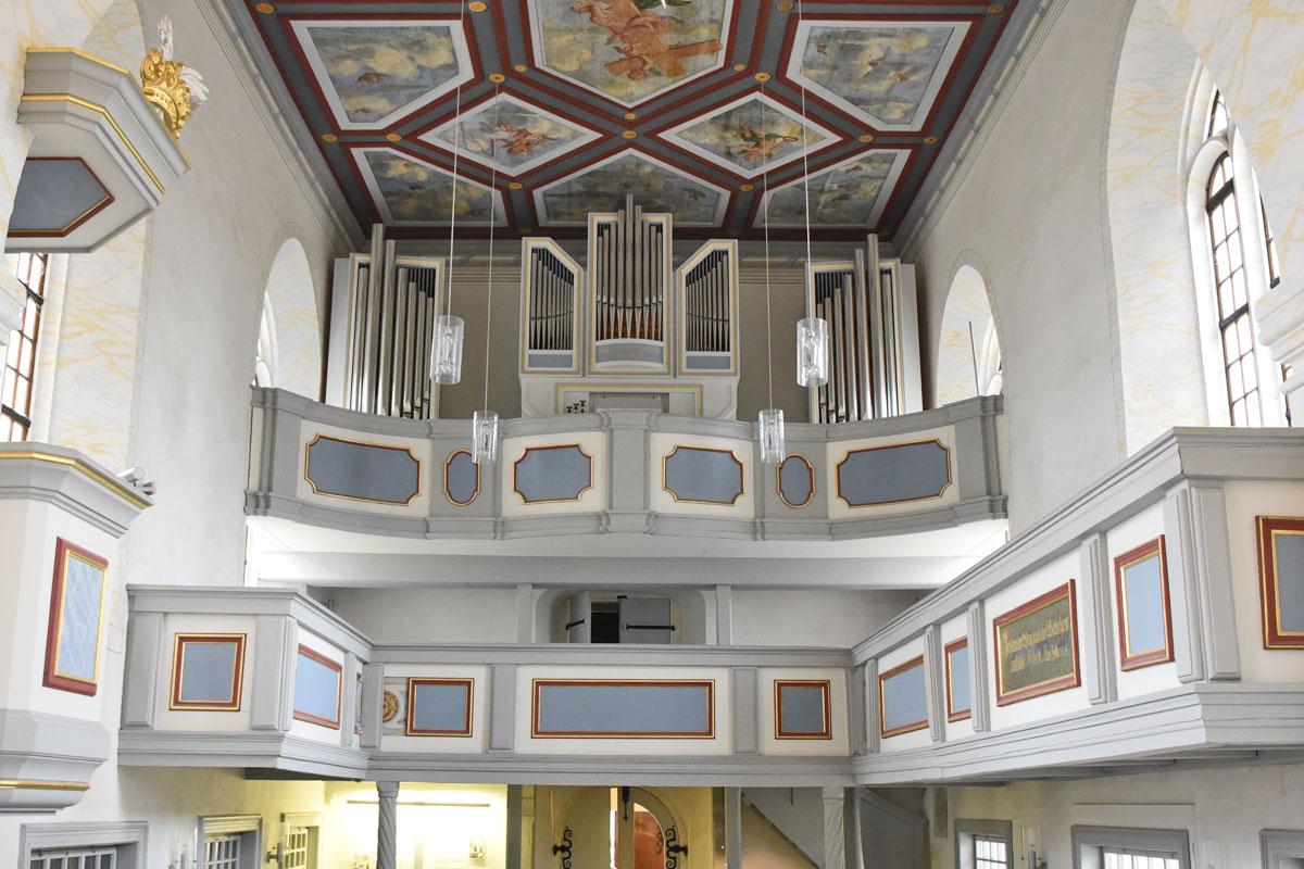 garnisonskirche-orgel-kasettendecke.jpg